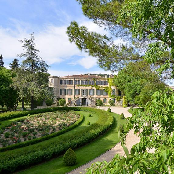 Chateau estoublon 0513 2013 volets ouverts_600x600px